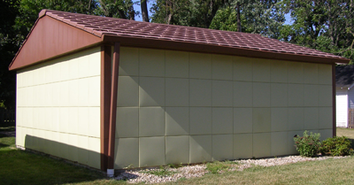 The illusive Lustron garage. (Image courtesy of RoadsideAmerica.com)