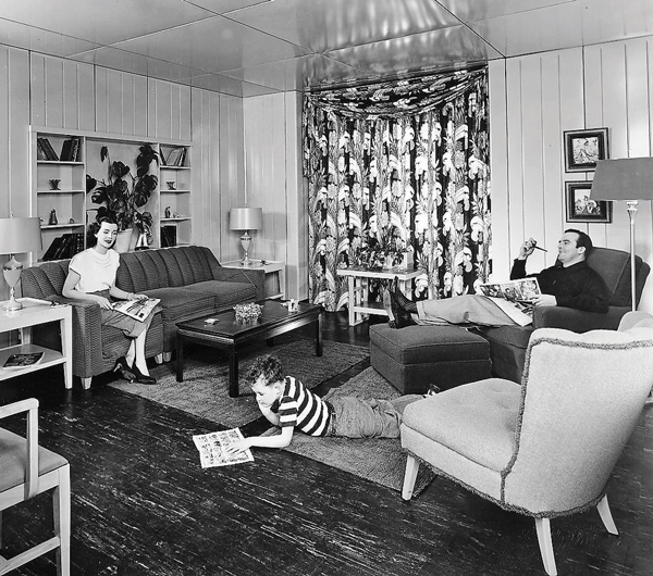 Lustron living room. (Image from the Ohio Historical Society)