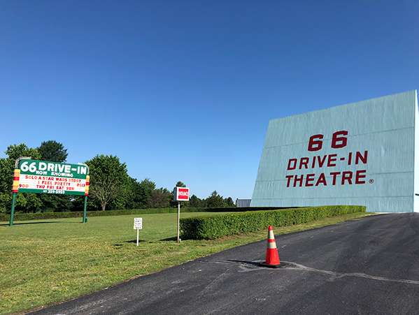 Route 66 drive-in in Carthage, Missouri is still operating - and popular!