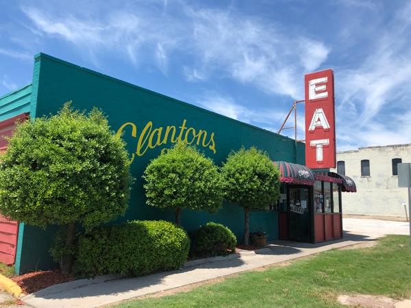 Clanton's Cafe in Vinita, Oklahoma.