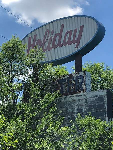 The old Holiday Drive-In sign in Springfield, Missouri.