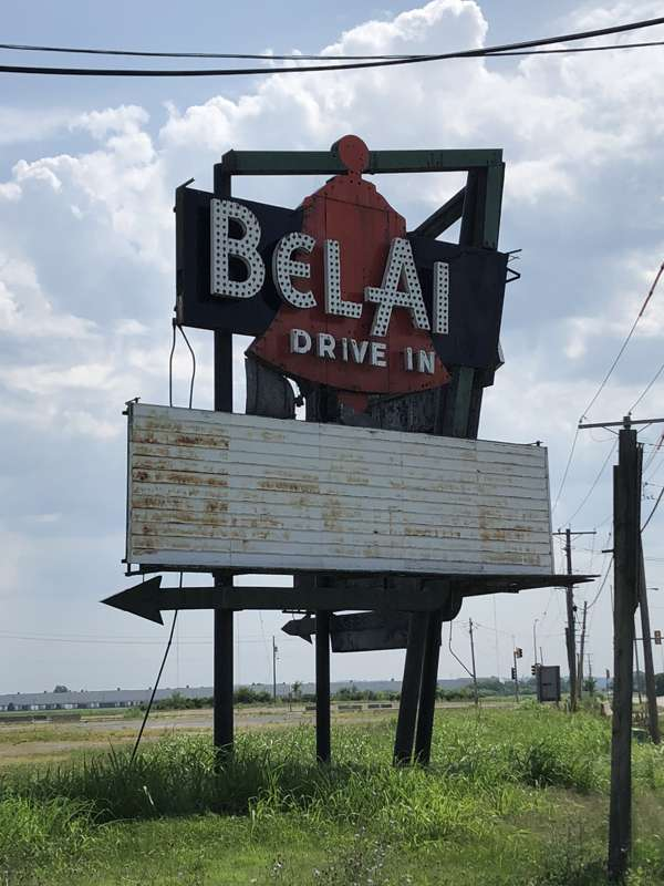Left side of the Bel-Air sign.