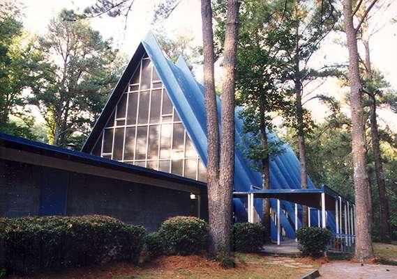 Pilgrim Church Approach (2)