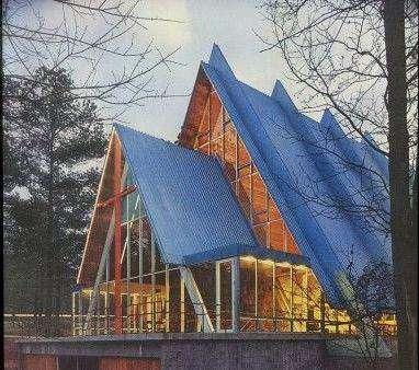 Pilgrim Church Front (1)