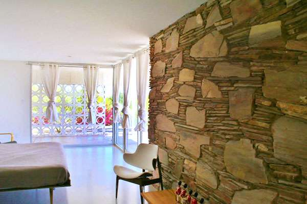 The fully restored Uhlmann house interior. (16)