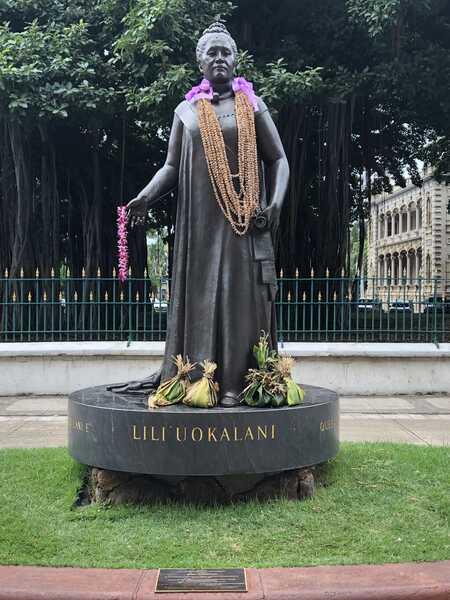 Queen Lili'uokalani statue